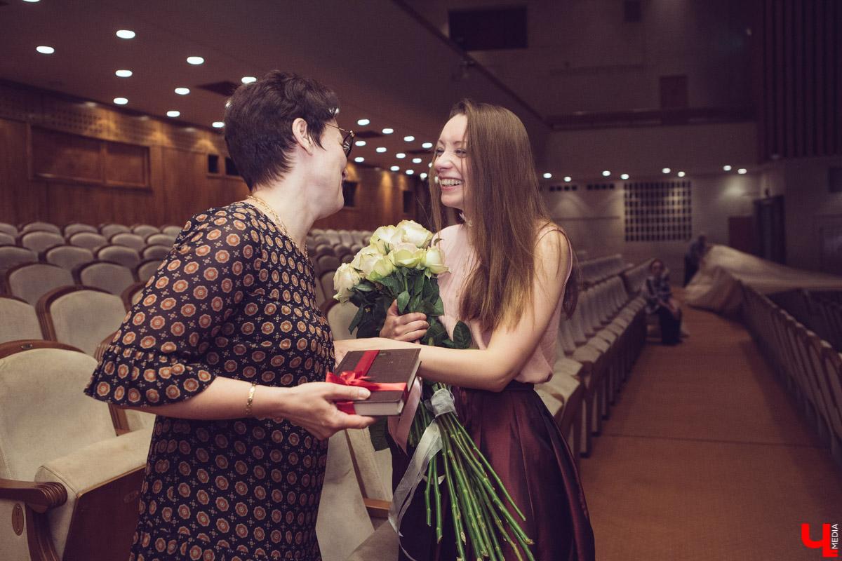 Анна Лузгина с поклонницей
