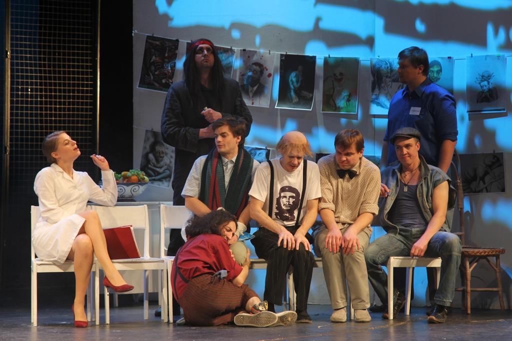 Владимир Лаптев поставил на владимирской сцене пьесу «Полет над гнездом кукушки», в которой когда-то сам играл Хардинга